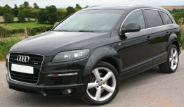 Audi Q7 (PL71) 4L with original Audi Wheels