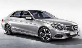 Mercedes E Class W212 Saloon with original Mercedes Wheels