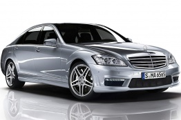 Mercedes S Class V221 Saloon LWB with original Mercedes Wheels
