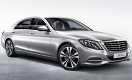 Mercedes S Class W222 Saloon with original Mercedes Wheels