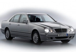 Mercedes E Class W210 Saloon with original Mercedes Wheels
